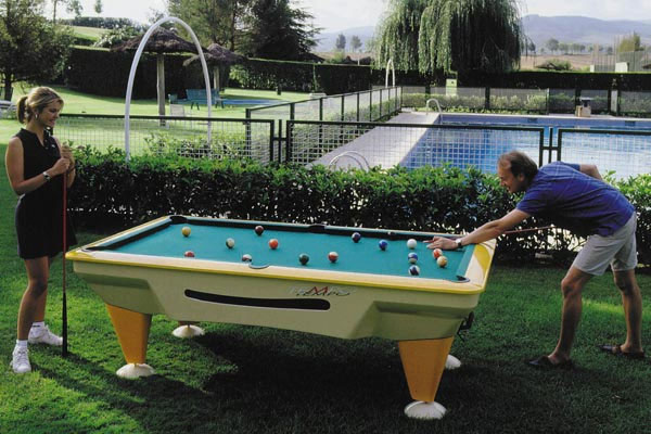 ... Sam Tempo Outdoor Pool Table 7ft   Coin Operated   View 6